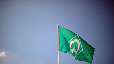 Beim SV Werder Bremen ist ein Spieler positiv auf das Coronavirus getestet worden.