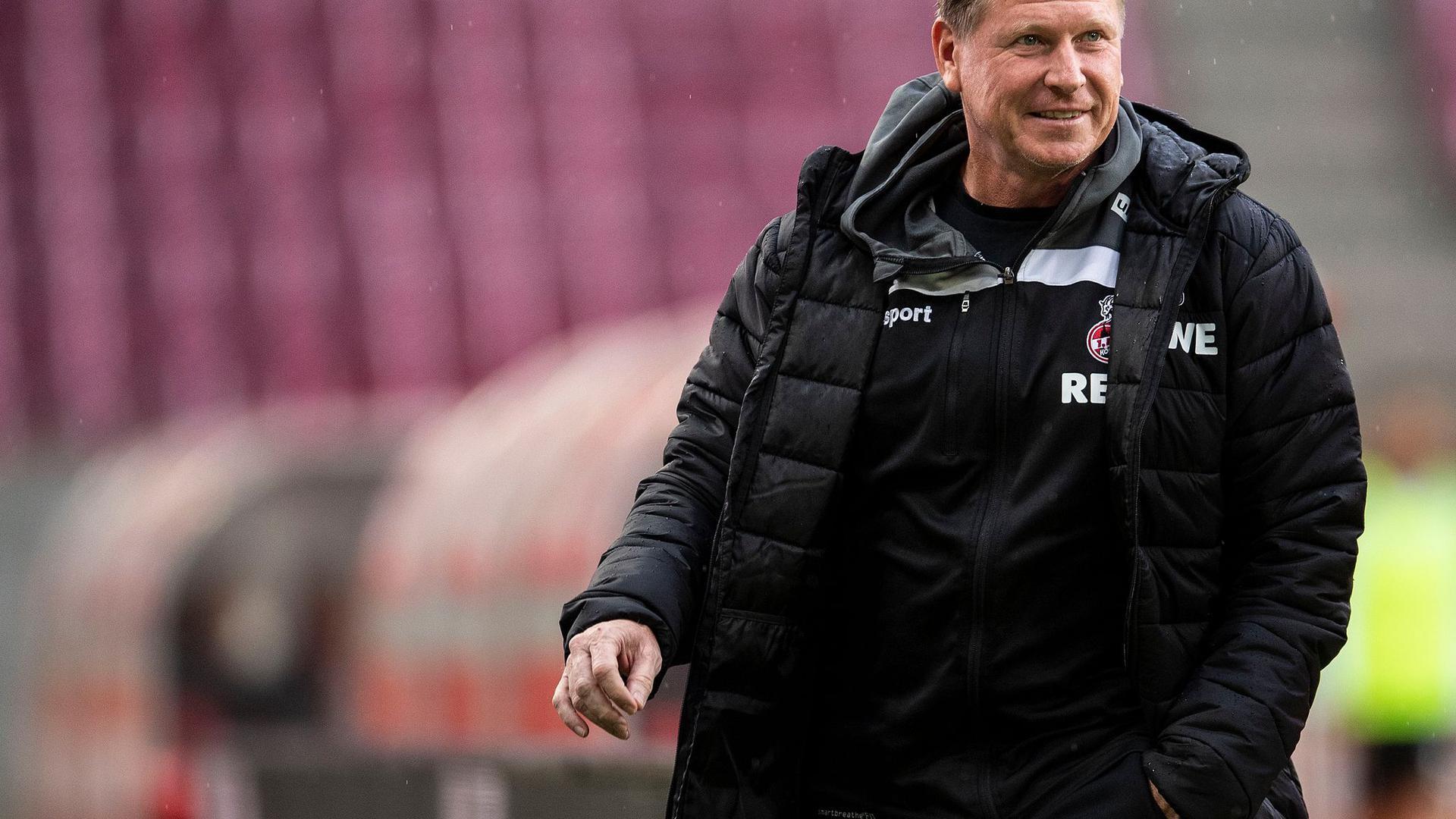Trainer Markus Gisdol muss mit dem 1. FC Köln beim VfB Stuttgart antreten.