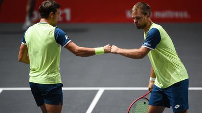 Stehen in Köln im Halbfinale: Kevin Krawietz (r) und Andreas Mies.