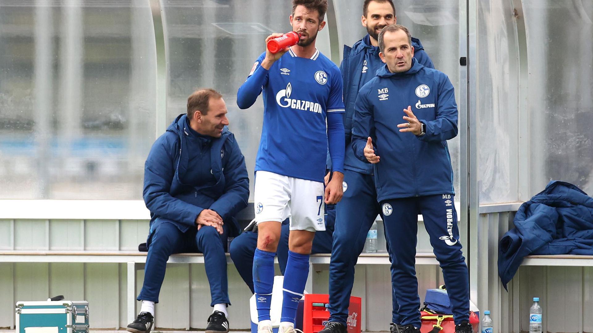 Schalke-Trainer Manuel Baum setzt auf Stürmer Mark Uth.