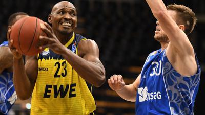 Spielt seit 2007 in Oldenburg: Rickey Paulding (l).