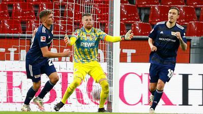 Max Kruse (r) machte den Union-Sieg in Köln perfekt.