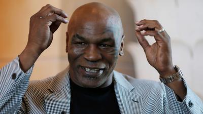 Steigt mit 54 Jahren nochmal in den Boxring: Mike Tyson.