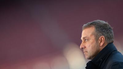 Bayern-Trainer Hansi Flick stachelt seine Bayern-Stars vor dem Spiel gegen Leipzig an.