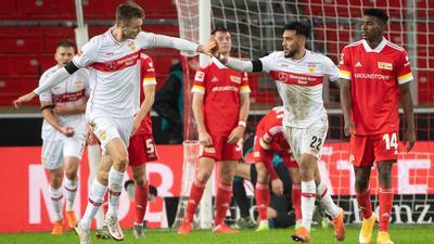 Sasa Kalajdzic (l) bewahrte den VfB Stuttgart vor einer Heimniederlage gegen Union Berlin.