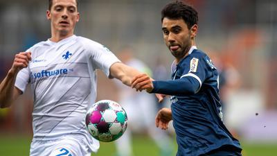 Die Bochumer um Gerrit Holtmann (r) drehten das Spiel gegen Darmstadt.