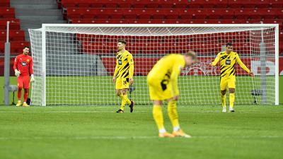Die Dortmunder sind nach der Niederlage in Leverkusen enttäuscht.