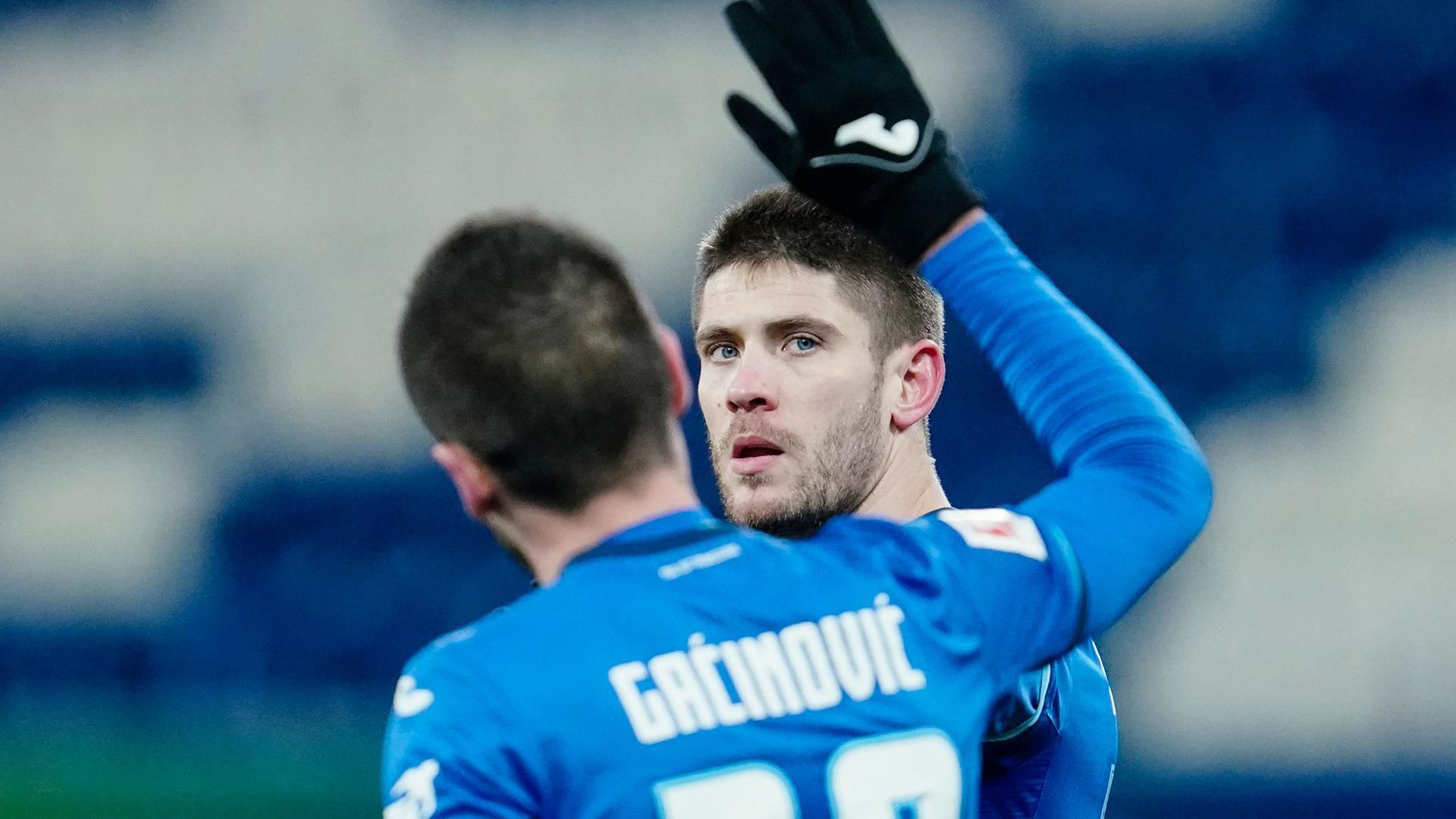 Andrej Kramaric (r) traf zwei Mal per Elfmeter und trug sich in die Bundesliga-Geschichtsbücher ein.