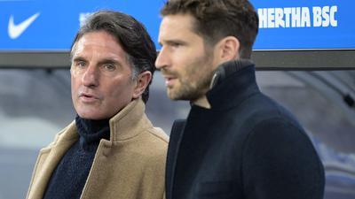 Herthas Ex-Trainer Bruno Labbadia (l) und Sportdirektor Arne Friedrich.