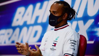 Lewis Hamilton hat noch keinen neuen Vertrag bei Mercedes unterschrieben.