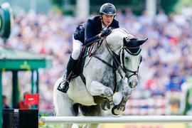 Zwei Pferde von Springreiter Sven Schlüsselburg wurden positiv auf das Herpes-Virus getestet.
