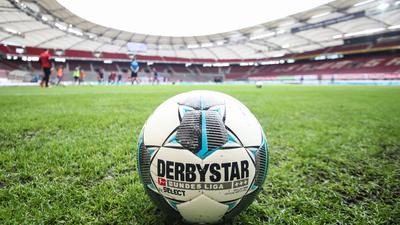 In der Bundesliga wird wie geplant an Ostern der Ball rollen.