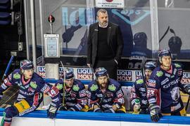 Trainer Serge Aubin und seine Eisbären müssen erneut ihre Comeback-Qualitäten beweisen.