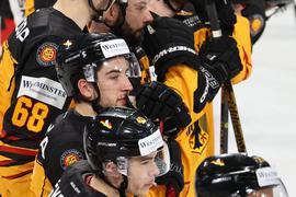 Alle Eishockey-Nationalspieler haben sich nach einem Corona-Verdachtsfall im Team umgehend isoliert.