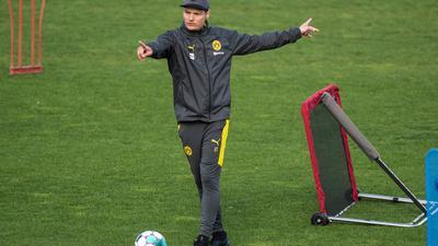 Trainer Edin Terzic bereitet Borussia Dortmund auf den Saison-Endspurt vor.