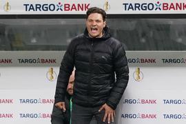 Dortmunds Trainer Edin Terzic könnte den BVB trotz der Erfolge verlassen. Grund:Marco Rose kommt.
