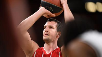 Musste notoperiertt werden: Basketball-Nationalspieler Paul Zipser.