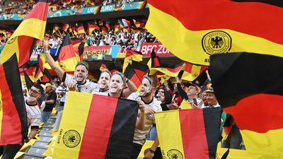 14.500 Fans hatten Karten ergattert, um das EM-Auftaktspiel von Deutschland gegen Frankreich live zu sehen.
