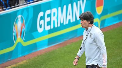 """Fordert von seinem Team """"punkten, siegen und erfolgreich sein"""": Bundestrainer Joachim Löw."""