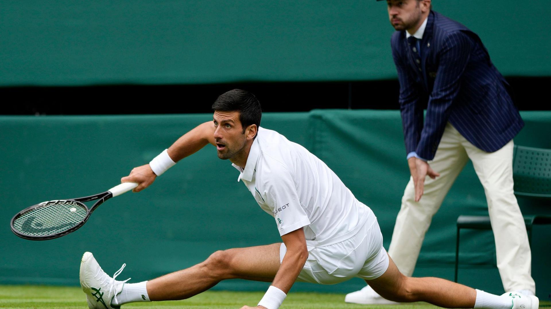 Novak Dokovic im Match gegen Kevin Anderson in Aktion.