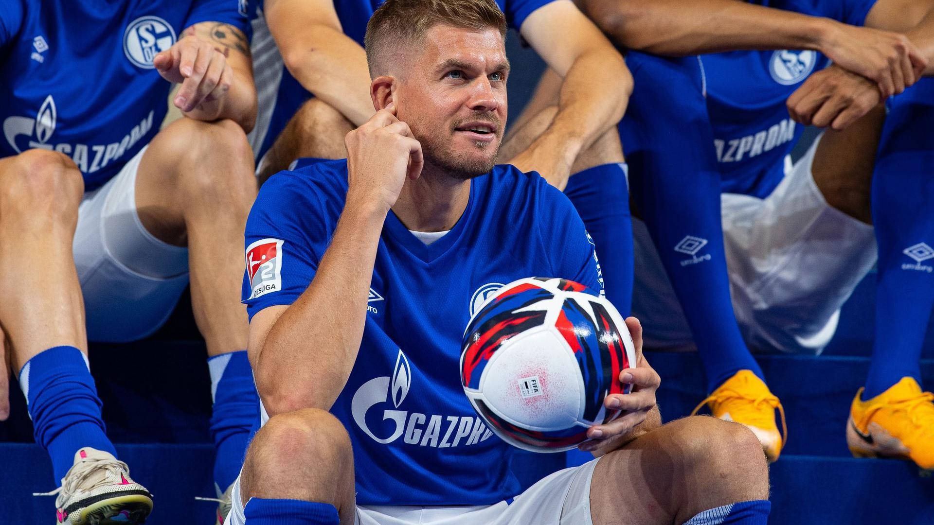 Der FC Schalke 04 setzt auf die Tore von Simon Terodde.