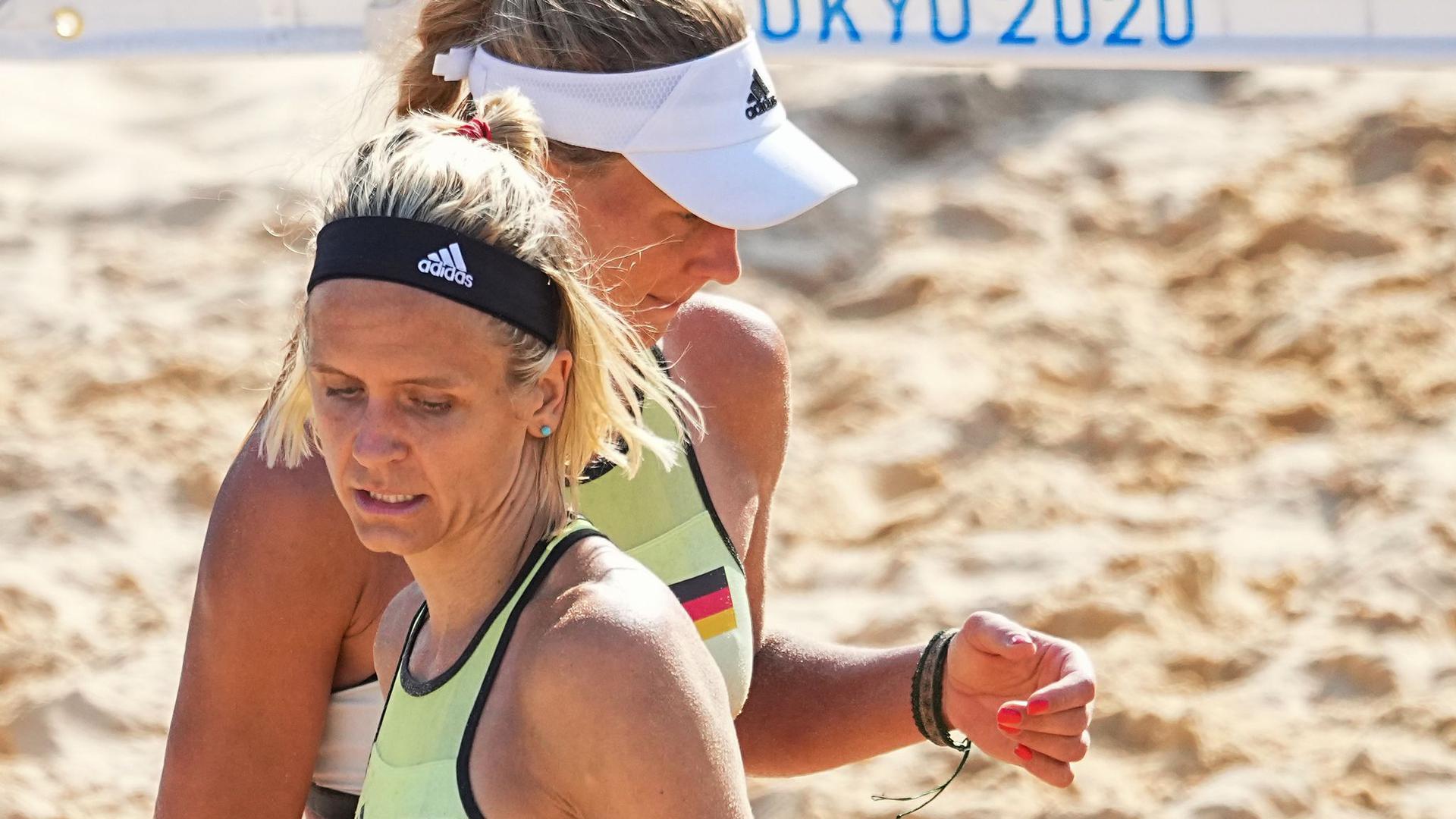 Laura Ludwig (l) und Margareta Kozuch verloren zum Olympia-Auftakt.