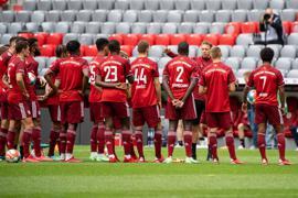 Team-Präsentation und Training des FC Bayern in der Allianz Arena mit Trainer Julian Nagelsmann (3.v.r.).