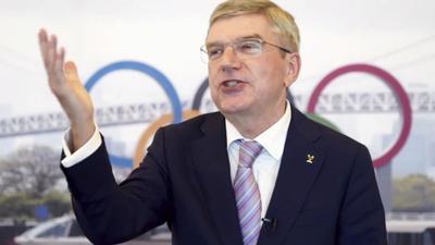 """IOC-Präsident Thomas Bach hat die Sommerspiele in Tokio als """"sehr erfolgreiche Olympische Spiele"""" bewertet."""