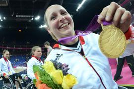2012 gewann Annika Zeyen noch im Rollstuhlbasketball die Goldmedaille.