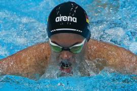 Paralympicss-Schwimmer Taliso Engel im Wettkampf.