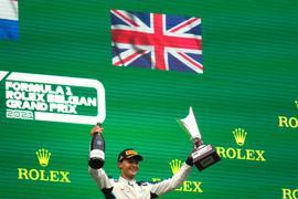 Fährt diese Saison noch für Williams und ab 2022 für Mercedes: Der Brite George Russell.