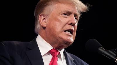 Donald Trump versucht sich als Box-Kommentator.