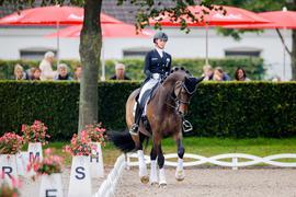 Jessica vonBredow-Werndl auf ihrem Pferd Ferdinand.