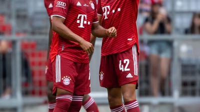 Haben wieder beim FC Bayern mittrainiert: Serge Gnabry (l) und Jamal Musiala.