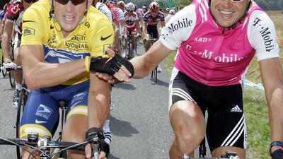 Einst Rivalen auf dem Rad, heute Freunde: Lance Armstrong (l) und Jan Ullrich.