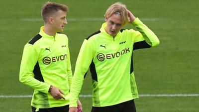 Könnten beim BVB gegen Sporting Lissabon wieder eingesetzt werden: Marco Reus (l) und Julian Brandt beim Training.
