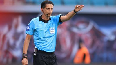 """Schiedsrichter Deniz Aytekin hatte den Platzverweis von Mahmoud Dahoud damit begründet, """"ein Zeichen"""" setzen zu wollen."""
