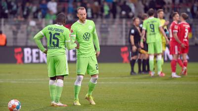 Für Jerome Roussillon (l-r) und Wolfsburgs neuen Rekordmann Maximilian Arnold gab es bei Union nichts zu holen.