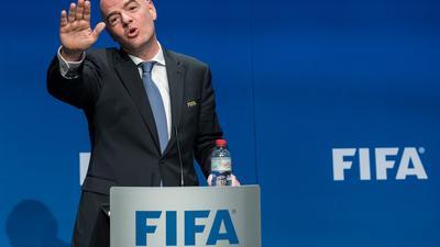 FIFA-Präsident Gianni Infantino spricht sich für die Ausrichtung der WM in einem kürzeren Rhythmus aus.