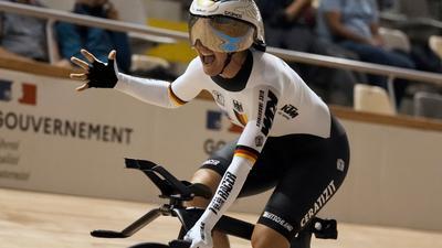 LisaBrennauer legte im Vélodrome von Roubaix einen deutschenRekord hin.