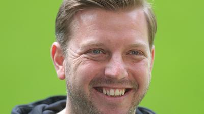 Ist vollerTatendrang beim VfL Wolfsburg gestartet: Trainer Florian Kohfeldt.