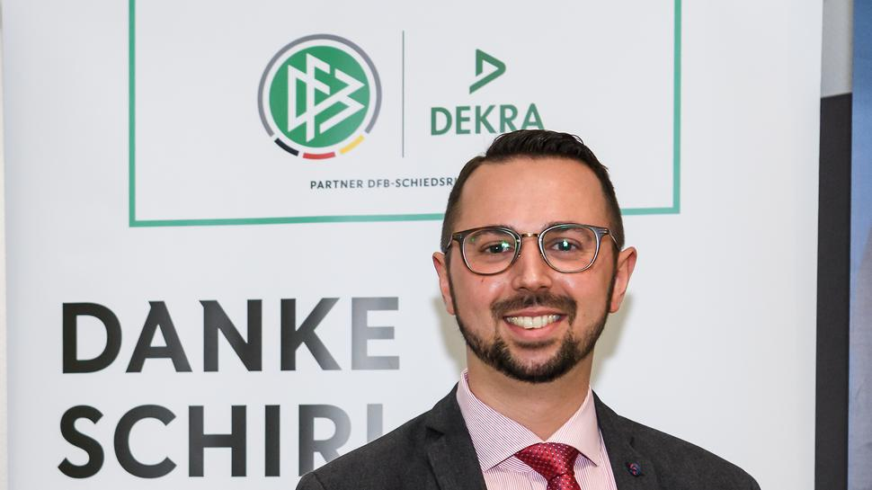 Sonderehrung fuer Schiedsrichter Pascal Rohwedder.  GES/ Fussball/ Danke Schiri: Ehrung durch den Badischen Fussball Verband, 09.02.2020